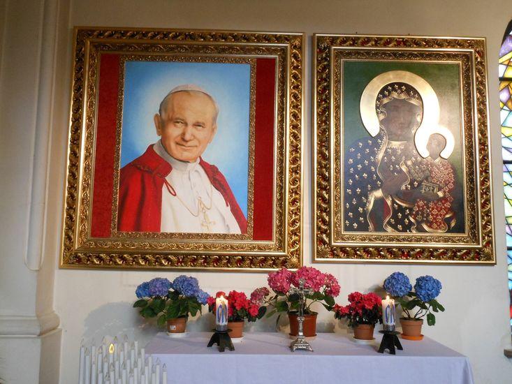 Ogl?dasz obrazy z dzia?u: Poświęcenie obrazu ku czci Królowej Polski