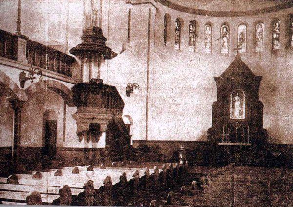 Ogl?dasz obrazy z dzia?u: Historyczne losy ko�cio�a �w. Wojciecha