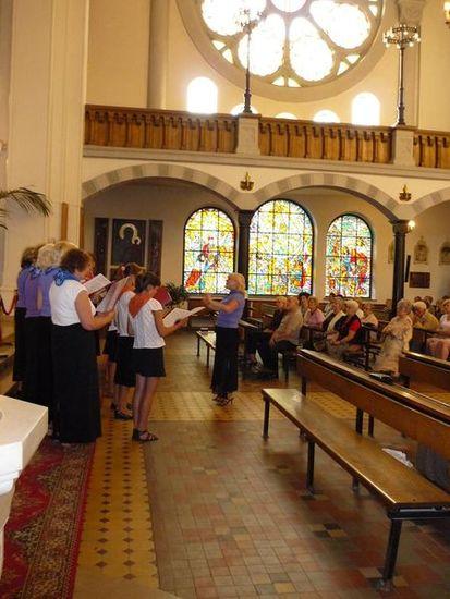 Ogl?dasz obrazy z dzia?u: Chór 'Jutrzenka' z Łotwy gościł w naszym kościele