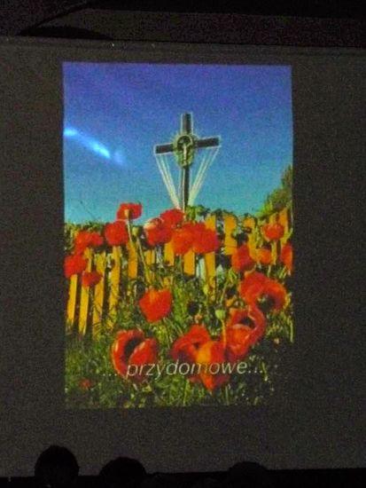 Ogl?dasz obrazy z dzia?u: Projekcja filmu 'Krzyż'